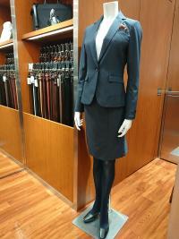 松本でレディススーツならスーツセレクトミドリ松本