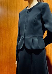 女子的正式,丧服是西服挑选MIDORI松本