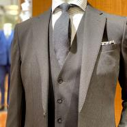 棕色西服的穿戴是西服挑选绿松本